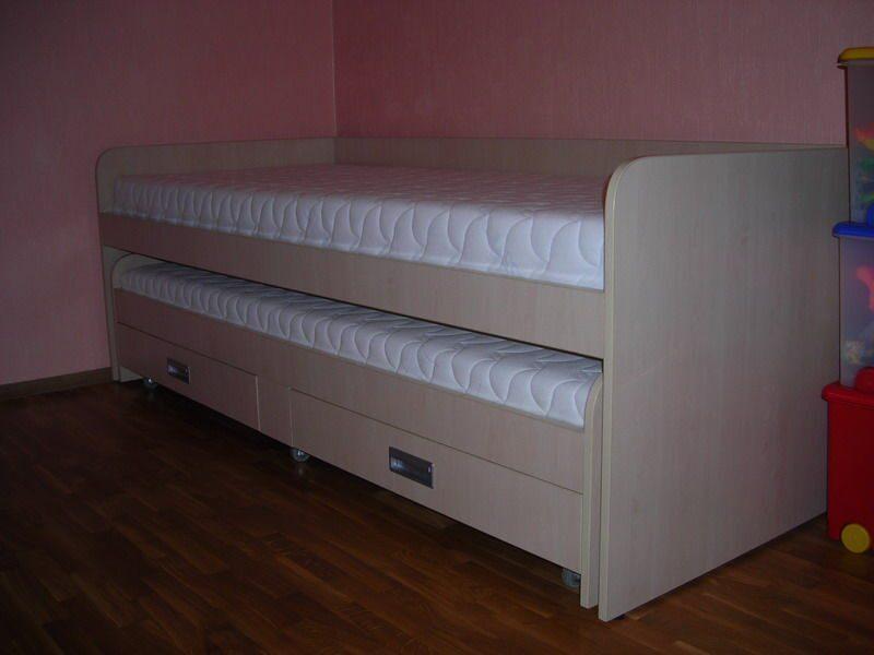Сделать кровать с выдвижной кроватью своими руками 34